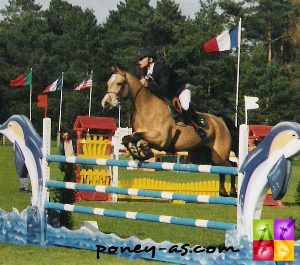 Benjamin Devulder et Geode du Blequin dans le GP de Fontainebleau en 2001 - photo Pauline Bernuchon