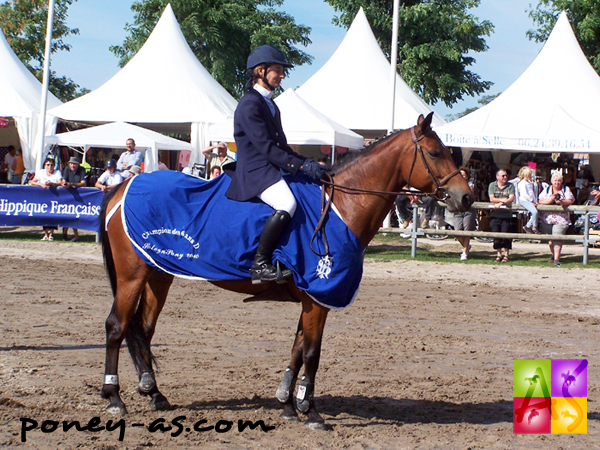 Sandrine Boidin et la championne des 6 ans Querly Sand (Pfs, Happy Villers), ph. Pauline Bernuchon