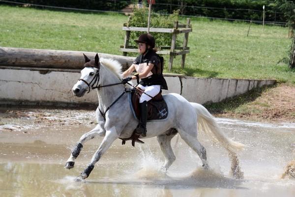 Capucine Bourgeois et Mustang de Buges - ph. Emilie Regnat