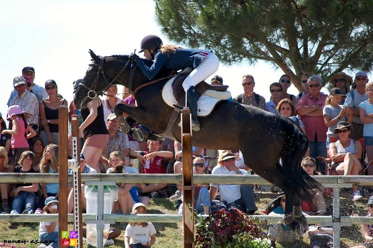 Ines Joly et Jamaique aux championnats de France 2011 où elles terminent 7e - ph. Camille Kirmann