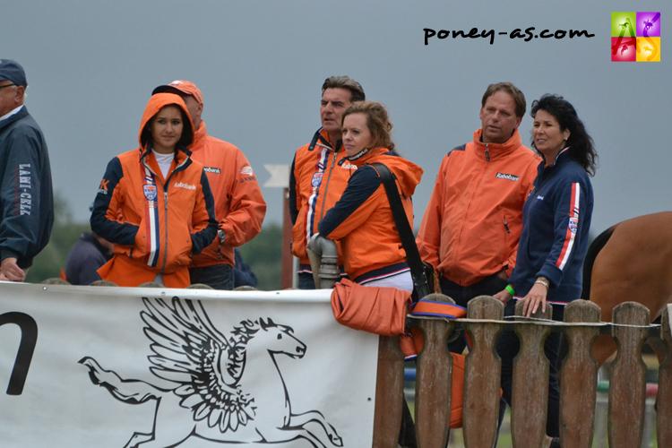 Lors de l'épreuve par équipe, le clan néerlandais, au coude à coude avec la troupe tricolore - ph. Pauline Bernuchon