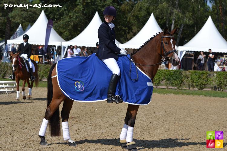 Hesselteich's Desert Rose et Camille Boireau, remise des prix du championnat des 6 ans - ph. Pauline Bernuchon