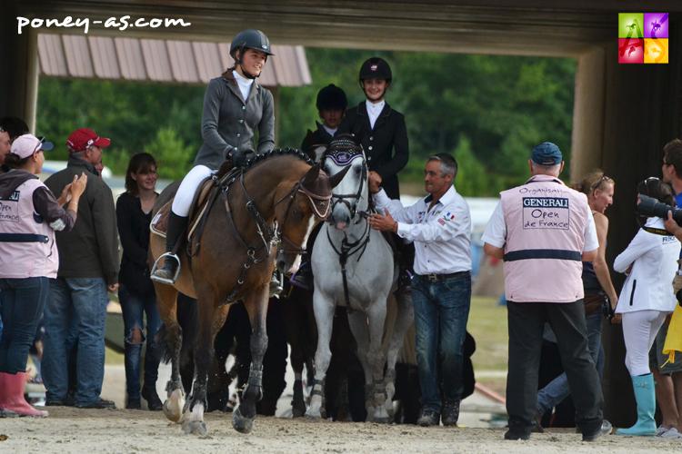 L'entrée des championnes de France, Mathilde et Moonlight, pour le tour d'honneur - ph. Pauline Bernuchon