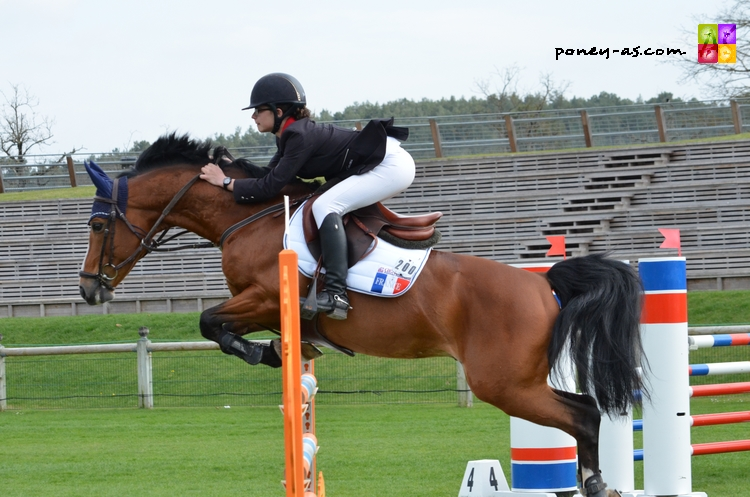Ninon Castex et Quabar des Monceaux ont réalisé un beau week-end de sport à Hagen, s'approchant sans doute d'une sélection européenne - ph. Camille Kirmann