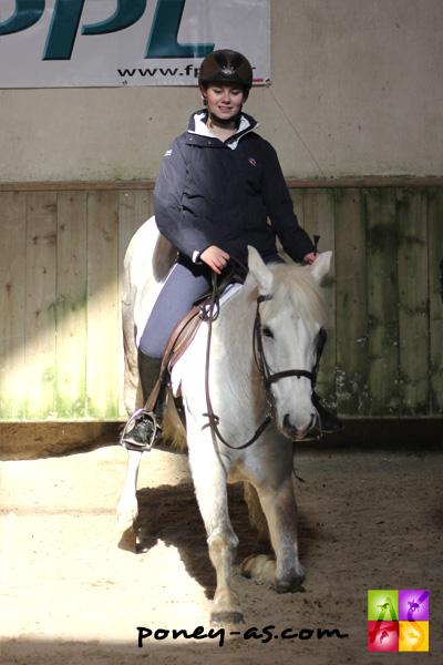 Tosca de l'Aulne participait en 2014 aux mondiaux de TREC au milieu des chevaux - ph Anaïs Barbier