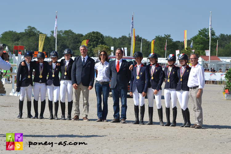 Les équipes de France de CSO et de CCE récompensées pour leur titre de championne d'Europe à Millstreet - ph. Pauline Bernuchon