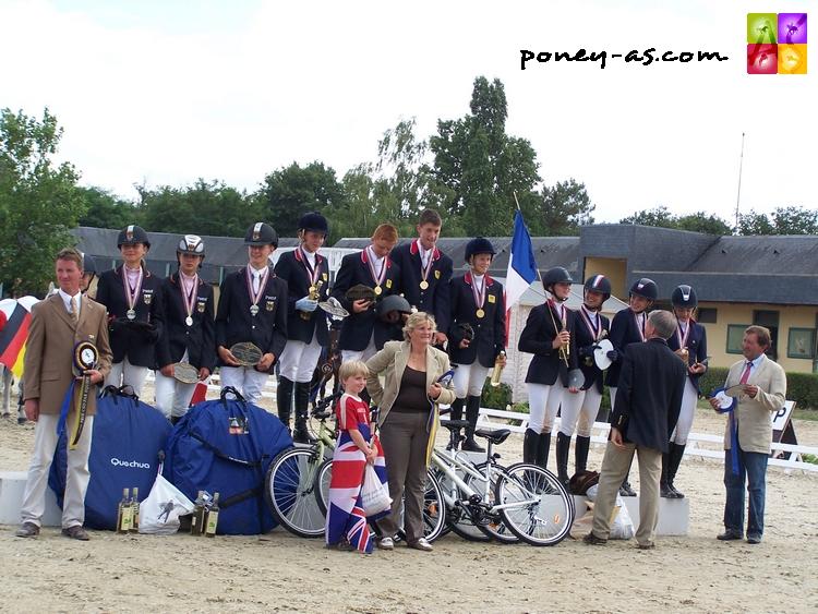 Grande-Bretagne, Allemagne et France, tel était le podium de l'épreuve par équipes de CSO - ph. Pauline Bernuchon