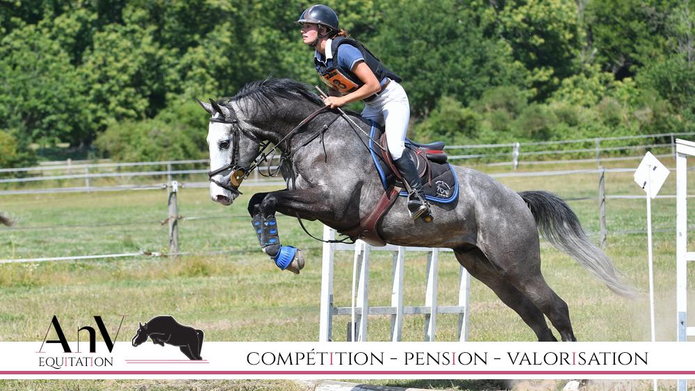 Anaïs Neveu, CCE, CSO, Dressage, poneys, chevaux