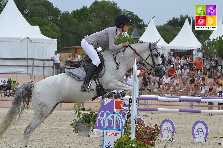 Iris de Fontenay et Une Muse d'Hurl'Vent - ph. Poney As