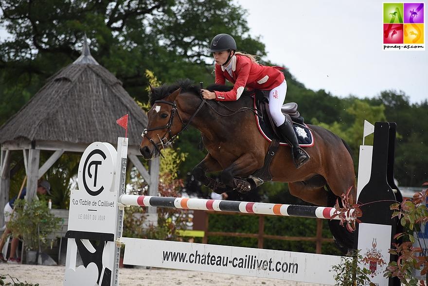 Margaux Courdent et Un Champion Delalande - ph. Poney As