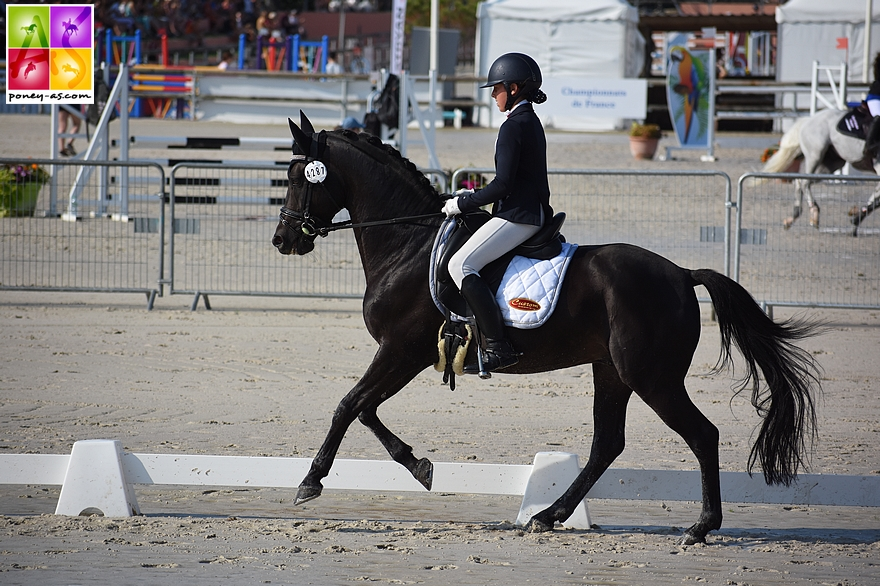 Cassandra Rouxel et Under Cover Fast - ph. Poney As
