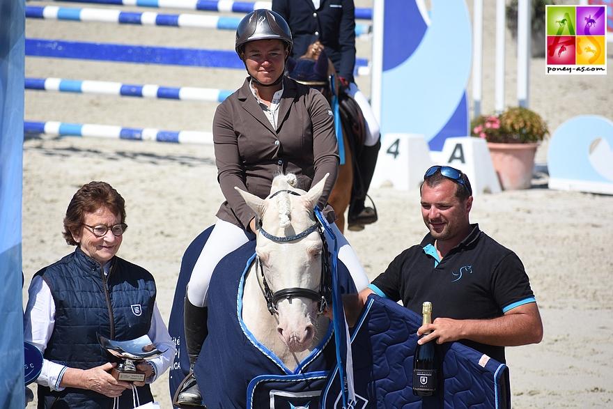 Champion des 6 ans C - Cremell'Aux Lays sous la selle de Sophie Mavrocordato - ph. Poney A