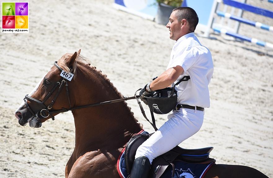 Champion des 6 ans D -Champagne d'Ar Cus associé à Mathieu Laisney - ph. Poney As