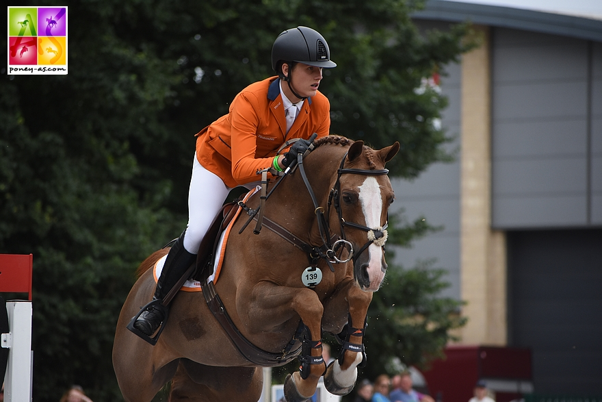 Mart IJland (Ned) et Flame - ph. Poney As