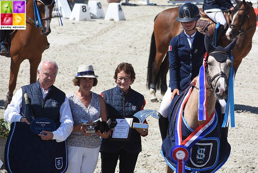 Champion de France des 7 ans - Balisto de Bosa sous la selle de Lou Morali - ph. Poney As