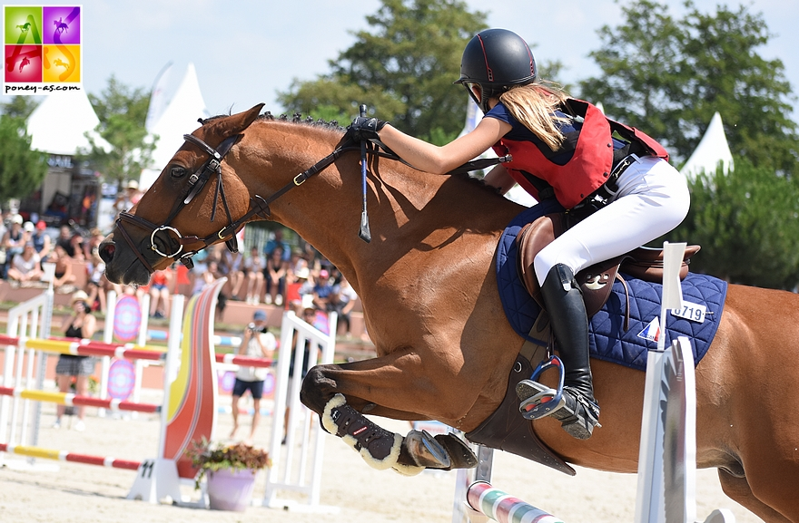 Charlotte et Rubis lors des championnats de France As Elite - ph. Poney As