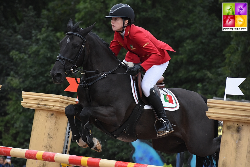Molly Hughes Bravo et Carrickaduff Pet s'emparent du Grand Prix PJT d'Herning - ph. Poney As
