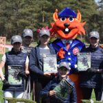 Les 7 cavaliers des Ecuries de Trangy remportent la première épreuve du tir à la corde - ph. Poney As