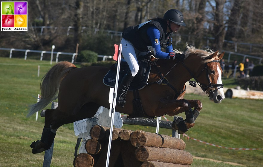 Manon Marin et Urgence de Bel'Air - ph. Poney As