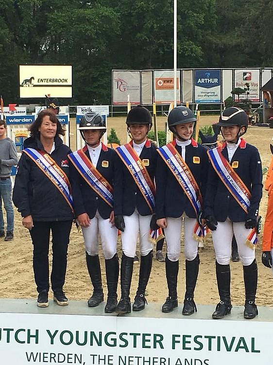 Avec un score vierge, les jeunes Britanniques se sont imposées dans la Coupe des nations du CSIOP de Wierden - ph. coll. privée