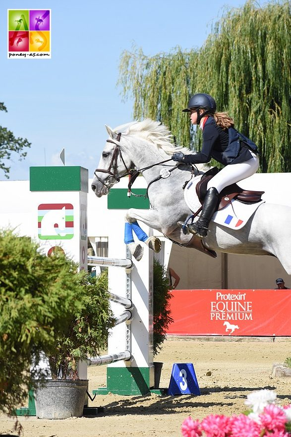 Pauline Scalabre et Sligo de Mormal (sans-faute, 3e du classement individuel) - ph. Poney As