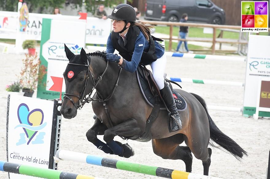 Couple vainqueur du Grand Prix As Elite : Rosalie Schmitt et Vagalam Merveilles - ph. Poney As