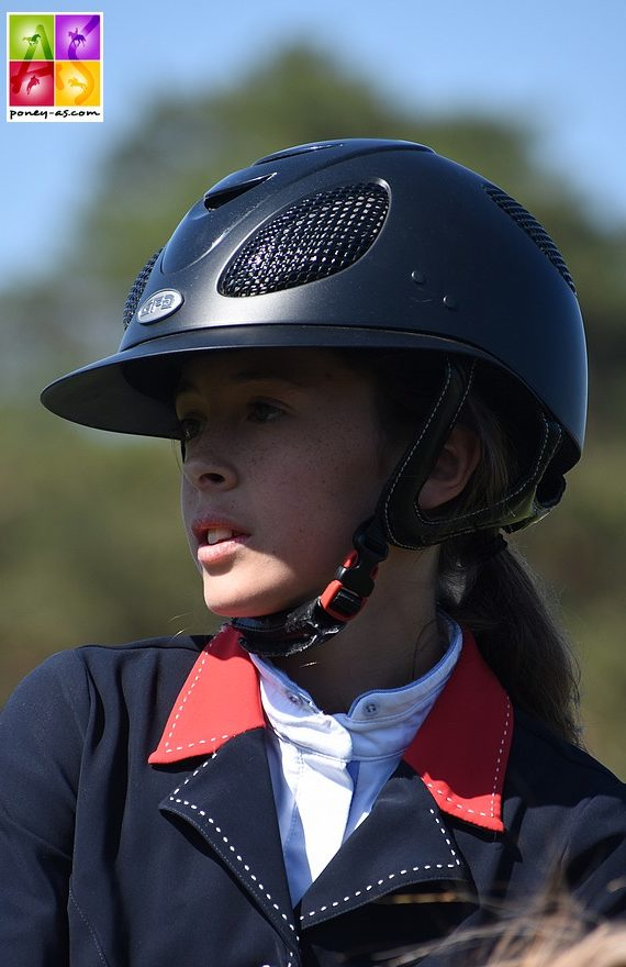 Lola Brionne s'impose dans le GP As Excellence associée à Audanum de Grangues et se classe 2e avec Clémentine - ph. Poney As