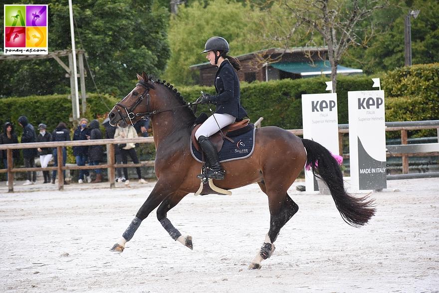 Candice Moulliere et l'étalon Atoll de Civry s'imposent dans la Vitesse et sont 2e du Grand Prix As Excellence dimanche – ph. Poney As