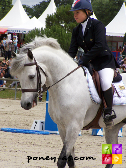 Lara Postillon et Magic Leam Pondi, photo Pauline Bernuchon