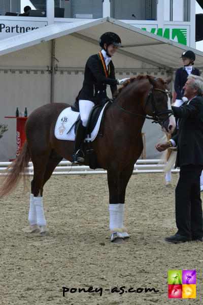 L'excellent Drei D AT (Dance Star AT x Dreamdancer) est vice-champion des 4 ans. Encore un produit  de l'écurie AT Schurf - ph. Pauline Bernuchon