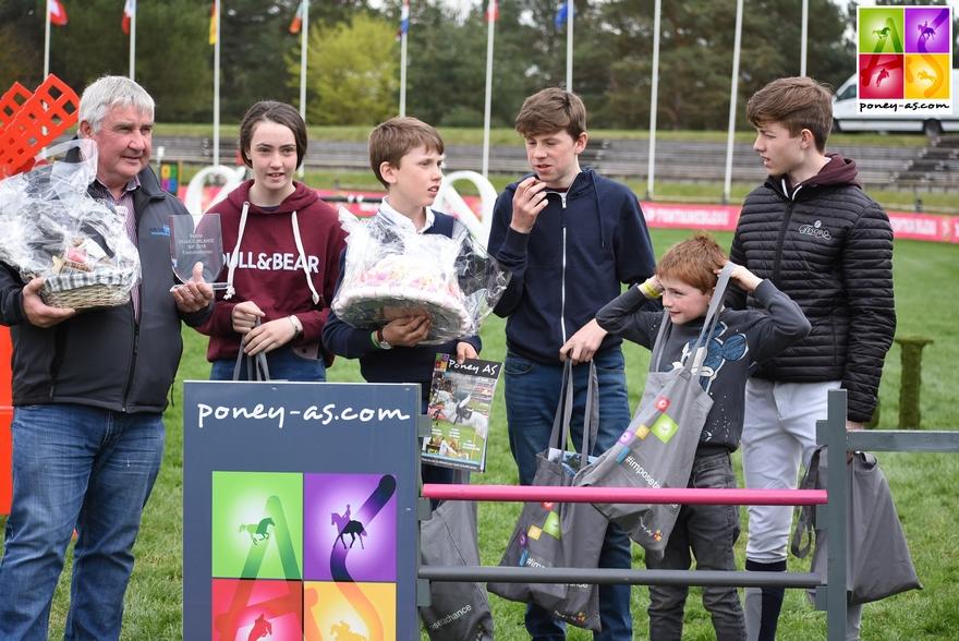 L'équipe d'Irlande, après s'être inclinée au tir à la corde, a empoché les 2 autres épreuves et la Battle Poney As ! - ph. Poney As