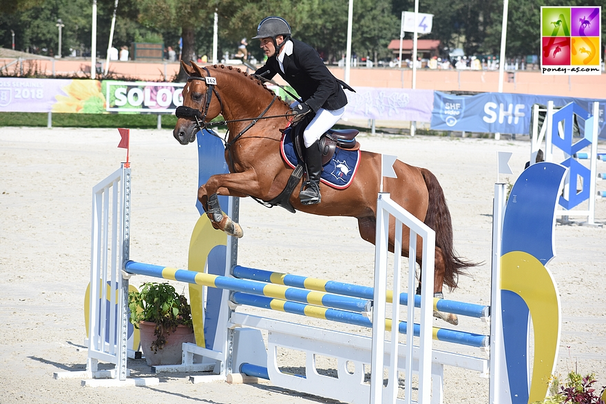 Champion des 4 ans D - Etadam d'Odival et Mathieu Laisney - ph. Poney As