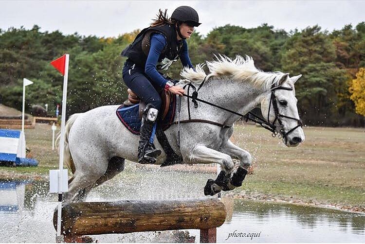 Lisa Crouail et Parrow Hyden Silles - ph. @photo.equi