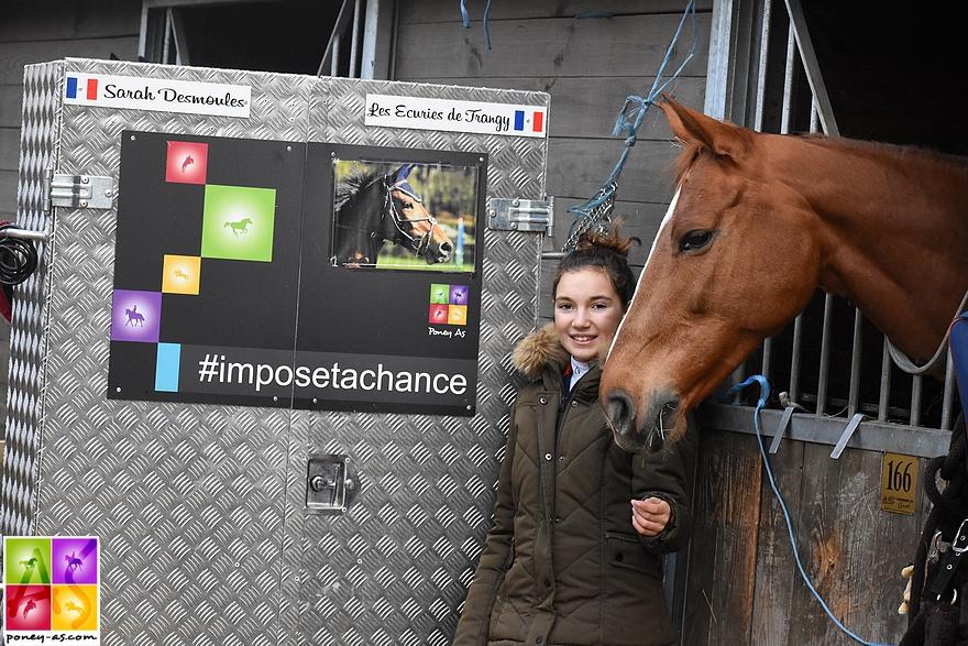 Sarah Desmoules, ambassadrice Poney As, à côté de sa jument Une Chance avec qui elle participait au CSI Amateur B du Mans en décembre - ph. Poney As