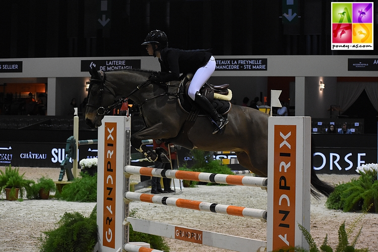 Louise et United, ici sur la Super As du Jumping de Bordeaux - ph. Poney As