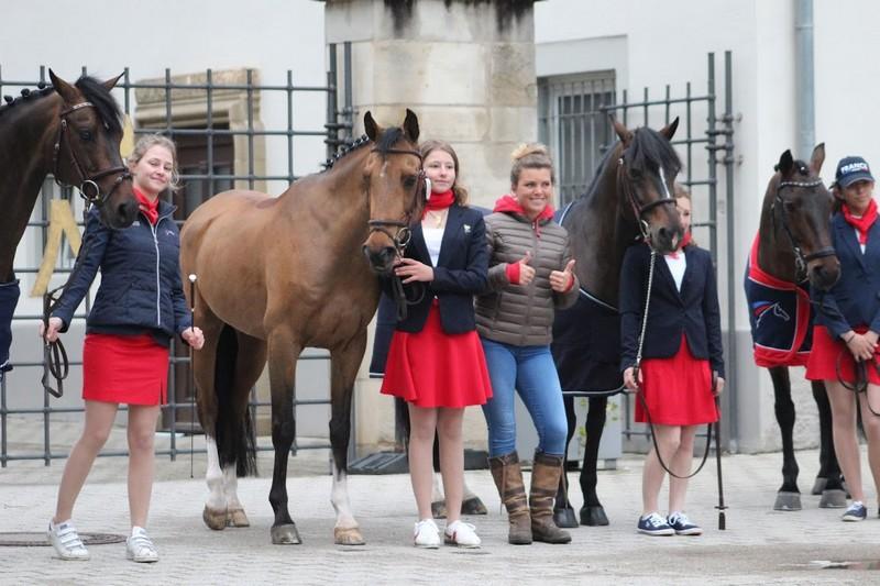 Lisa, Chloé, Laura et Anoushka à la visite vétérinaire - ph. Léa Fayol