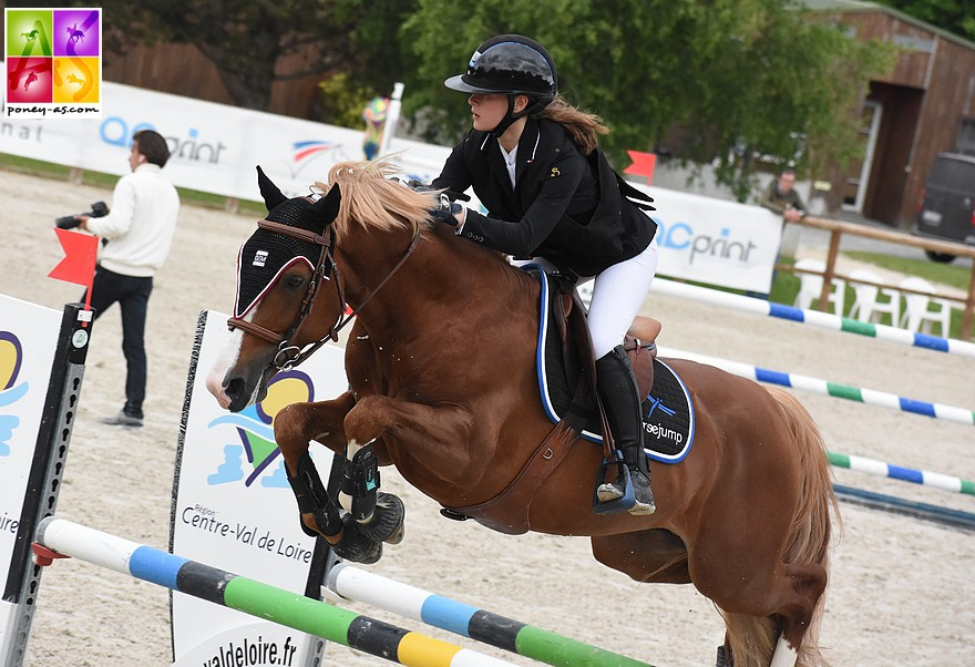 Romane Orhant et Champagne d'Ar Cus - ph. Poney As