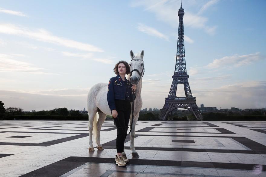 """Horse In Paris"" de Mathilde & Sligo - ph. Nancy Landreat"