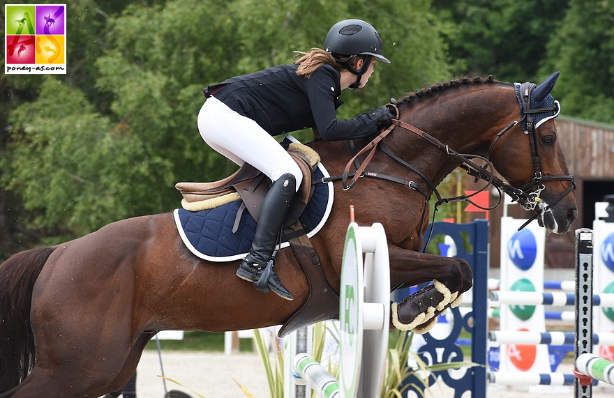 Pénalisés de 4 points, Jeanne Hirel et Vedouz de Nestin s'imposent dans le Grand Prix As Excellence de Saint-Orens - ph. Poney As