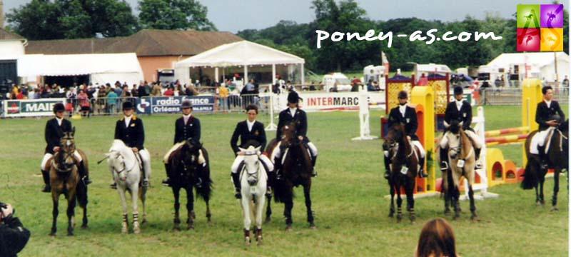 CSIOP de Lamotte-Beuvron 1997 - Remise des prix d'une épreuve du CSIOP. Le Belge Anatole Boute la remporte - ph. Poney As
