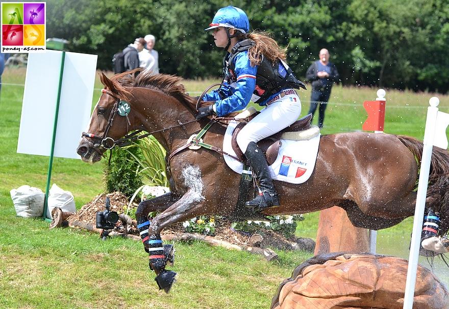 A poney, Héloïse Le Guern a remporté le titre de championne d'Europe par équipes avec Qarisma Duboidelanoue. C'était à Millstreet en 2014 – ph. Poney As