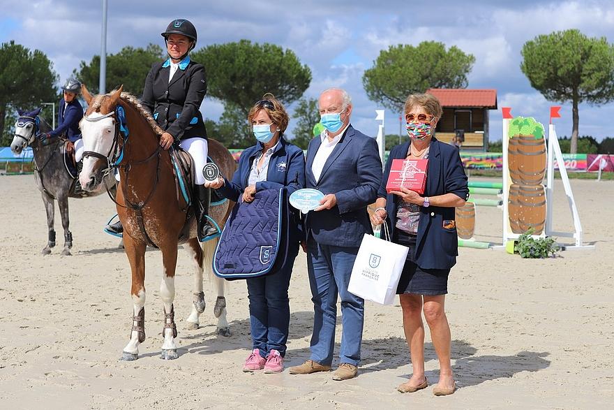 L'étalon Pfs Goldwyn d'Embets (par Blue Tinka Tilia et Quarwyn de Grangues par Machno Carwyn, Wd) remporte le Criterium SHF des 4 ans C sous la selle de Sophie Mavrocordato – ph. Poney As